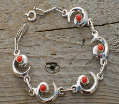 "Coral ""Whirling Wind"" American Indian Link Bracelet"